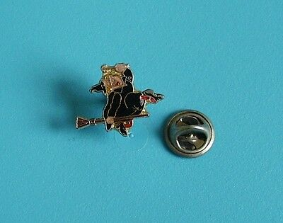 witch on her broomstick small stud pin badge