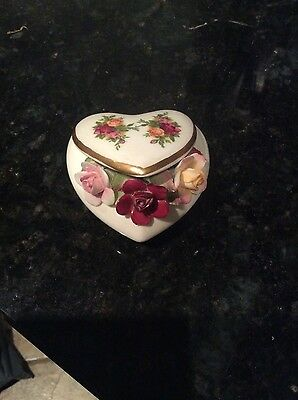Royal Albert Old Country Roses Heart shape ornament