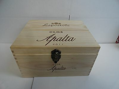 "2011 Lapostolle "" Clos Apalta "" 6-bottle wood wine box  complete with Inserts"