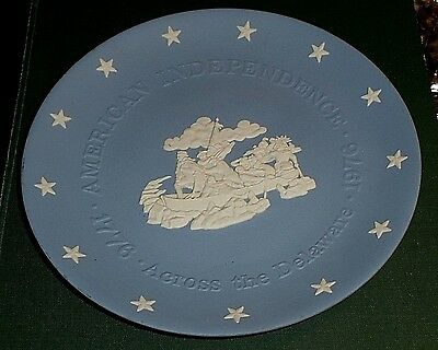 """Vintage Wedgwood 8"""" Plate - American Independence 1976 - Across The Delaware"""
