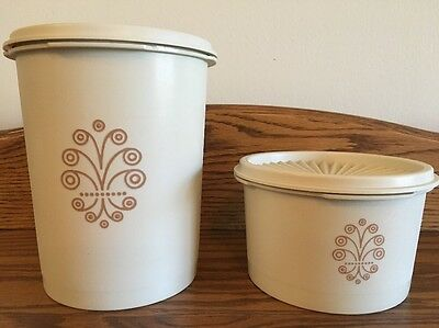 Tupperware Canister Set 2 Almond color 5 & 2 1/2 cup snack coffee tea camper EUC