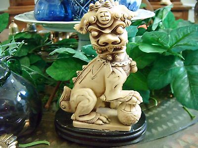 """Vintage Chinese Carved Resin Foo Dog Lion Asian Statue Figurines 6 """" on stand"""
