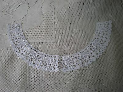Lovely genuine vintage white lace dress collar