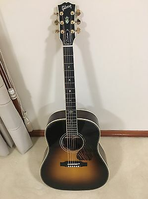 Gibson J-45 custom 2017 acoustic electric guitar