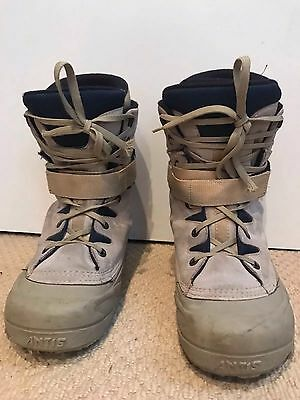 Snowboard boots size 8-9