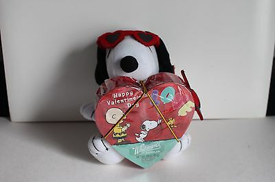 "Peanuts Snoopy Small Plush Stuffed Animal 6"" Whitman's Sampler Hearts Valentines"