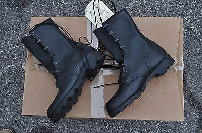 US Army Combat Boots All Leather Men's 9.5 Wide Black Mildew & Water Resistant