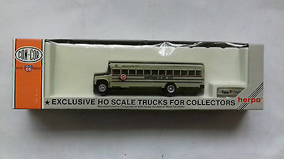 HERPA 1/87 Scale MODEL COACH / BUS