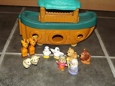 Noahs Ark On Wheels With Mr & Mrs Noah & 8 Animals