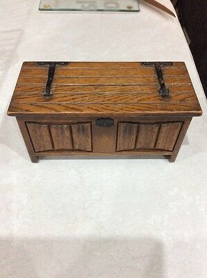 wooden musical box,wood vintage jewellry box ,tallent of old bond st ,made in en