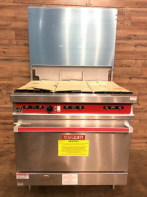 NEW UNUSED 2004 Vulcan 36LC-559 Restaurant Natural Gas Range w/ Convection oven