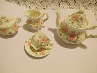 Miniature - dolls house tea set by Deganwy /North Wales studio pottery