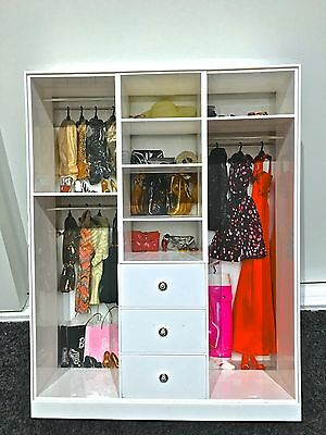 BARBIE DOLL WARDROBE CLOSET WHITE LOOK FASHION silkstone with wallpaper BACKING