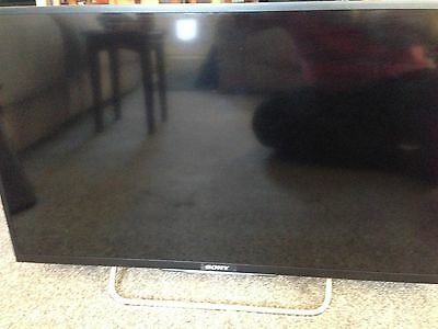 """sony 32w705 32"""" LCD HD TV with remote control"""