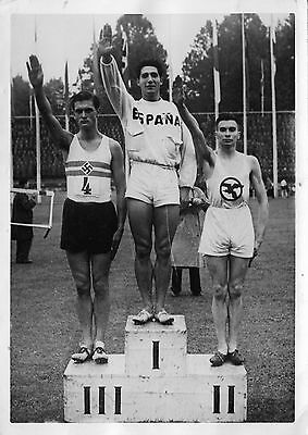 Photo originale podium atletisme 1942 salut nazi