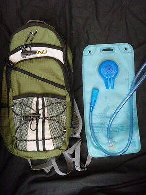 OZtrail Blue Tongue 2L Hydration Pack Climbing Hiking Cycling Sports Green