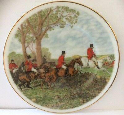 FENTON CHINA - Staffordshire Plate with Hunting Scene (P02)