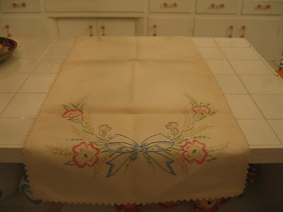 Beautiful Vintage Embroidered Dresser Runner Scarve Doily Wth Pink Flowers Bow