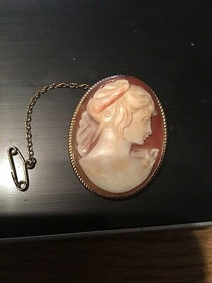 VINTAGE LARGE B/HAM 60s 9 CT GOLD CAMEO BROOCH/PENDANT &SAFETY CHAIN. 4CM X 3CM