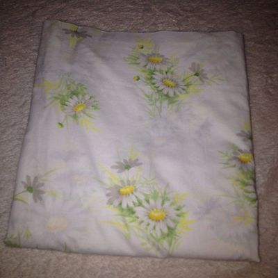 VTG Springmaid Full Bed Sheet Flat Fresh Daisy Floral Green Yellow Wondercale