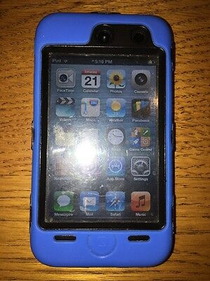 Apple iPod touch 4th Generation Silver (8GB) with otterbox