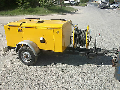 Towable diesel engine Hot pressure washer steam cleaner wash chewing gum removal