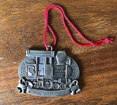 DVC Disney Vacation Club Member 2014 Pewter Christmas Ornament With Red Pouch