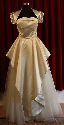 SMALL, ORIGINAL VINTAGE 1950's WEDDING DRESS.