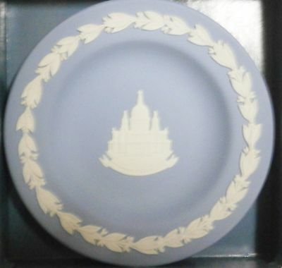 """Wedgewood Blue Jasperware   St. Paul's Cathedral  Round  Tray  4 3/8""""  New"""