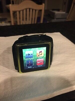 iPod Nano 6th Generation 16GB Green.  With Wristband And Charging Cable