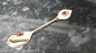 ****  Royal  Albert  Old  Country  Roses  Spoon  ****  RARE