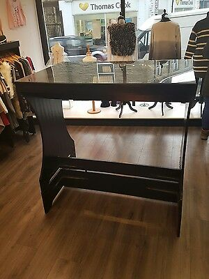 glass top clothes display unit double clothes rail underneath