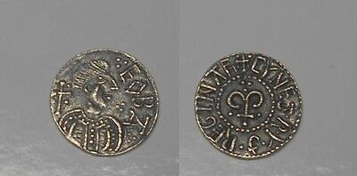 Silver Penny Anglo-Saxon for cataloging ..Weight.- 1,13 gr. 13,5 mm.