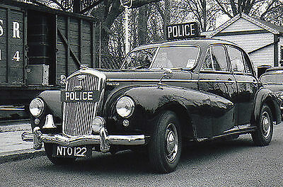 Photo Policeman - Taken From 1950's Image - Woolsey Police Car