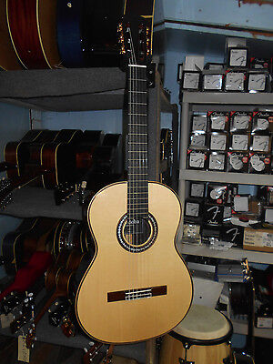 Cordoba C12 Acoustic Nylon String Classical Guitar Spruce Top w/ Polyfoam Case