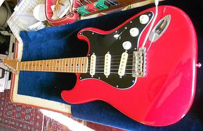 Guitare SQUIER by FENDER JAPAN STRATOCASTER Silver Series '50s Torino Red 1992