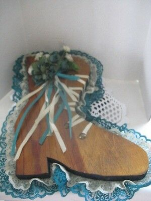 Wooden Old Fashion Shoe Hanging ~ **Gift Idea