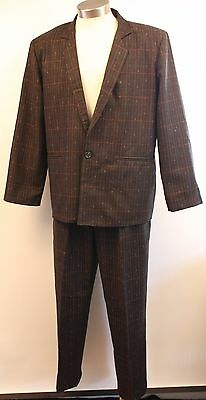 MEDIUM TO LARGE 40 1980's MENS SUIT. ORIGINAL VINTAGE MADE IN AUSTRALIA BY SEVEN