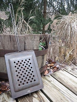 Vintage Camp Open Fire Popcorn Popper / Fireplace Tool HandHeld Camping Outdoors