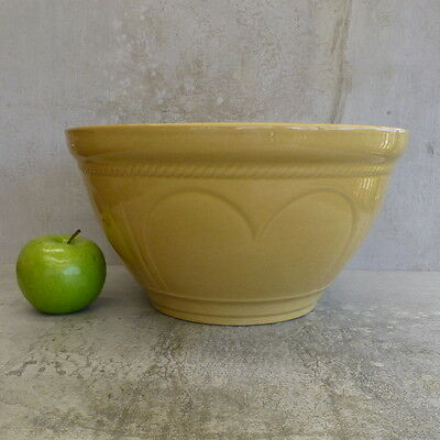 TG Green Cloverleaf Mixing Bowl Large Made in England USED English Pottery Dish