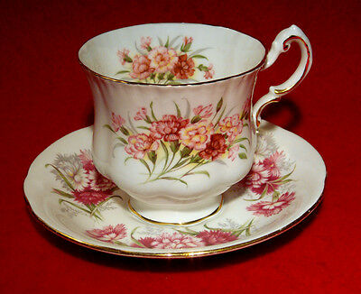 PARAGON CARNATIONS FLOWER FESTIVAL / ENGLISH FLOWERS CUP & SAUCER not matching