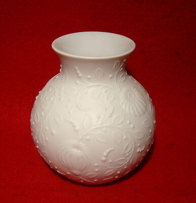 Kaiser White Floral Vase#554 Made In West Germany 4""