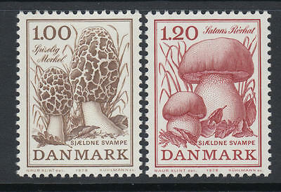 XG-N966 DENMARK - Mushrooms, 1978 2 Values MNH Set