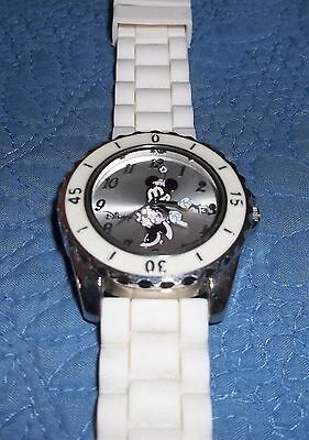 Disney Minnie Mouse Mother of Pearl Crystals Watch