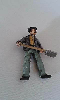 O Gauge Railway Figure -(ORF019) Steam/ Diesel Plate Layer with Shovel