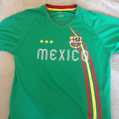 Mexico  Football Shirt   Boys 14 / 16  Number 11.