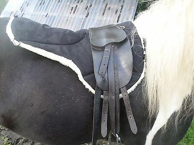 Total Contact Saddle Pad, sheepskin underside micro suede top, numnah 5 D rings!