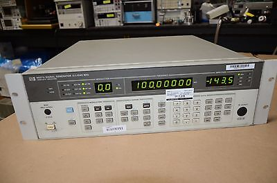 HP Signal Generator In Calibration Option 002 8657A 8657