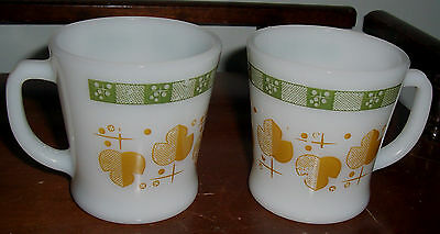 Lot Of 2 Vintage D-Handle Anchor Hocking Fire King Mugs - Gold And Green Pattern