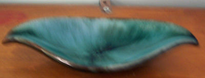 """Vintage Small 7"""" Blue Mountain Pottery Leaf Dish/ashtray - Very Good"""
